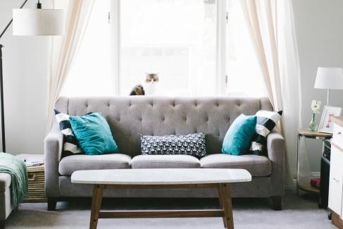 Mobilă și decorațiuni pentru casă