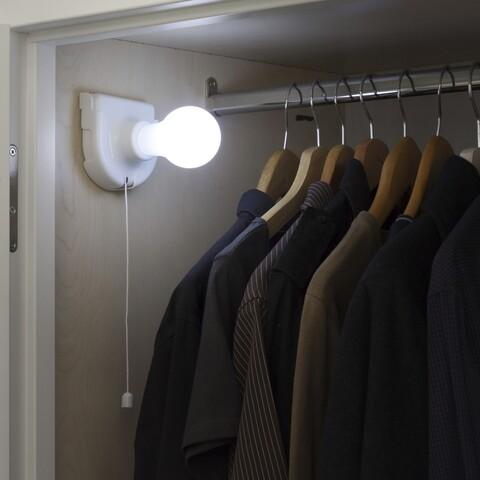 Bec LED portabil InnovaGoods, cu baterii, 9 x 13 x 9 cm, plastic