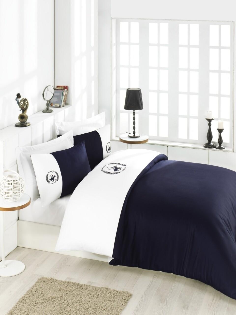 Lenjerie de pat dubla White Dreams, Beverly Hills Polo Club, 4 piese, 240 x 260 cm, 100% bumbac satinat, alb/bleumarin